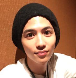そんな若手イケメン俳優の志尊淳さんの卒アル写真が流出し、今と歯並びや目が違う!と整形疑惑が出てきているんです。